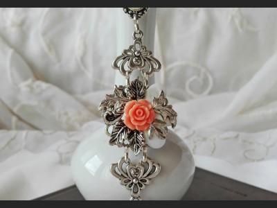 Victorian Style Shell Flower Bracelet