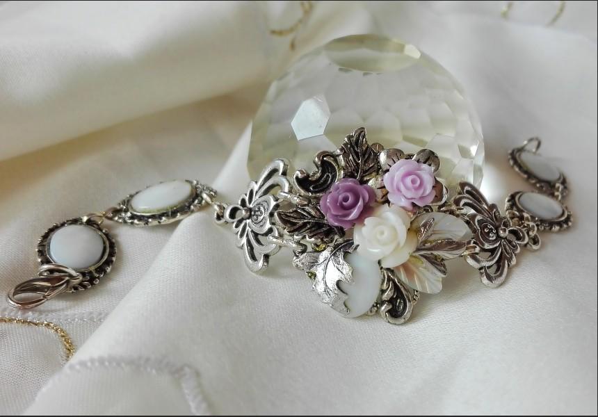 Shell Flower Victorian Style Bracelet