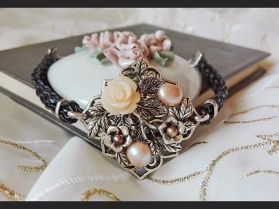 Art Deco Beige Pearl Bracelet