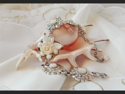 Victorian Style Pearl Rose Bracelet