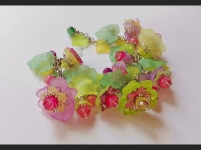 Lucite Spring Flower Bracelet