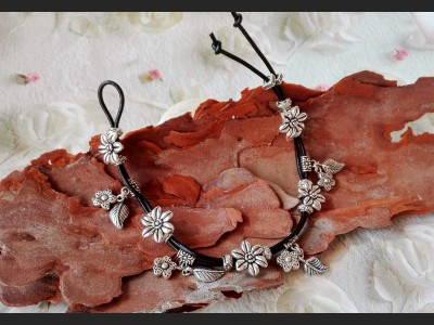 Antique Silver Flower Boho Leather Bracelet