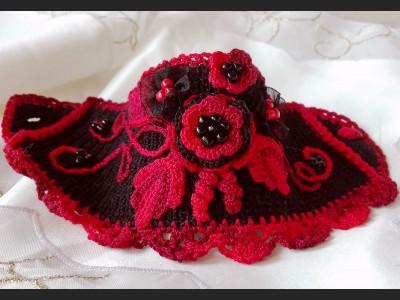 Beaded Crochet Bracelet Red and Black