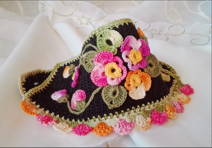 Freeform Boho Crochet Bracelet with Flowers