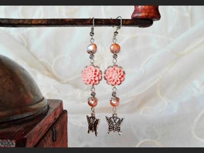 Peach Pearl Earrings