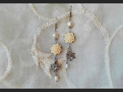 Pearl  White Flower Earrings