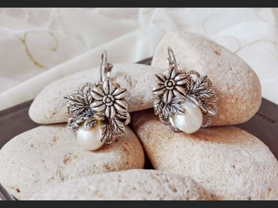 Victorian White Pearl Earrings