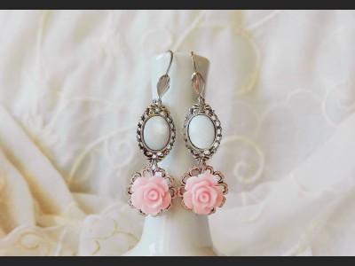 Mother of Pearl Pink Flower Earrings