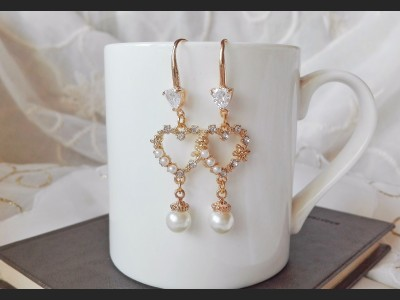 White Crystal and Pearls Heart Wedding Earrings