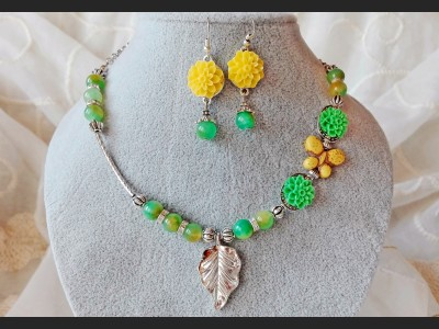Romantic Yellow and Green Flower Jewelry Set