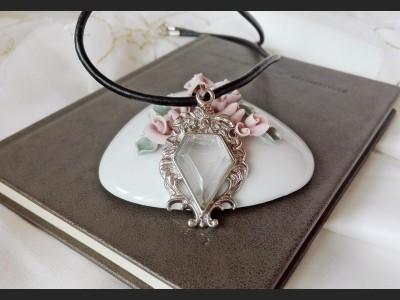 Vintage Style Mountain Quartz Necklace