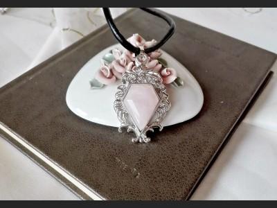 Vintage Style Rose Quartz Necklace