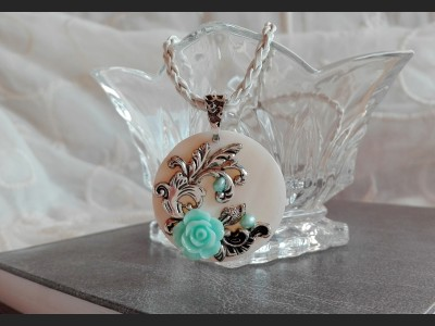 Romantic Rose Vintage Necklace