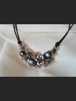 Dark Blue Vintage Pearl Necklace
