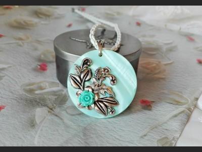 Blue Vintage Style Shell Pendant