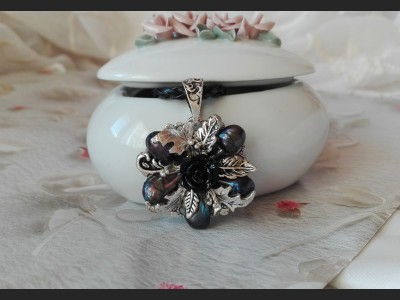 Dark Blue Pearl Victorian Style Necklace