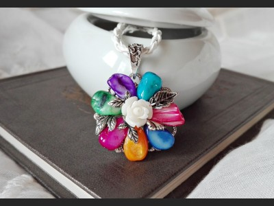 Rainbow Vintage Style Necklace