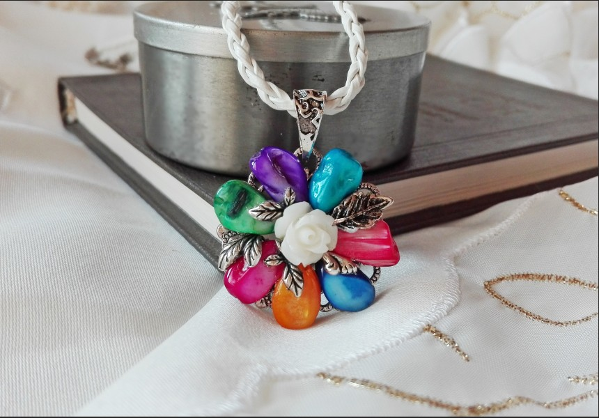 Rainbow Vintage Style Necklace