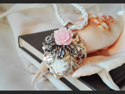 Victorian Style Romantic Necklace