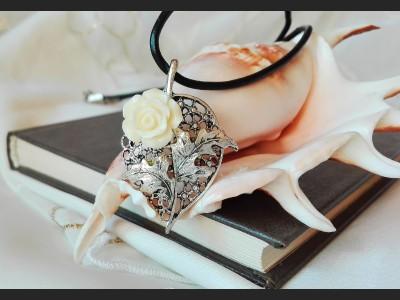 Flower Filigree Necklace