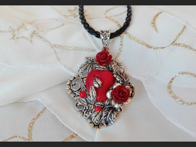Red Coral Vintage Style Necklace