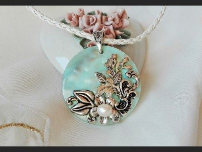 Blue Vintage Shell and Pearl Pendant