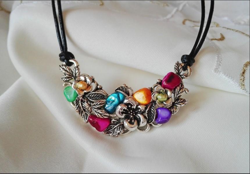 Rainbow Vintage Pearl Necklace