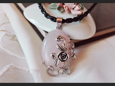 Rose Quartz Art Necklace