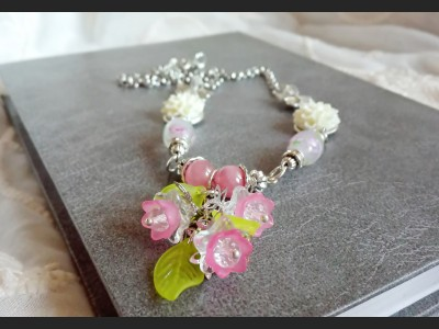 Agate Spring Flower Necklace