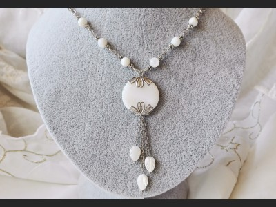 White Mother of Pearl Shell Beaded Necklace