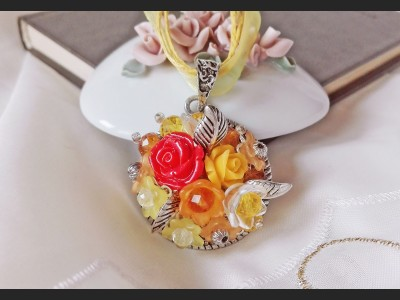 Vintage Autumn Rose Necklace