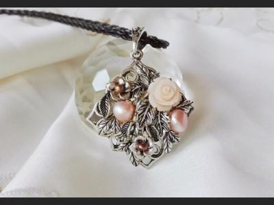 Vintage Style Beige Pearl Necklace