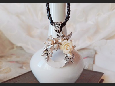 Victorian Shell Flower Pearl Necklace