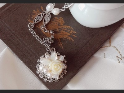Victorian White Pearl Necklace