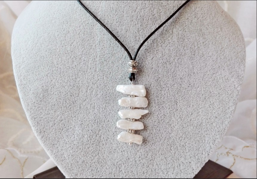 White Pearl Art Necklace