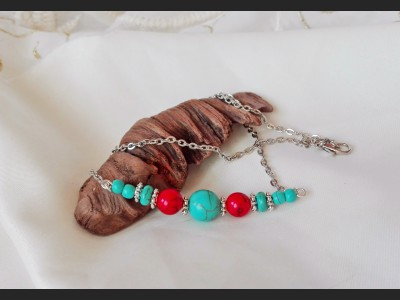 Beaded Turquoise and Howlite Necklace