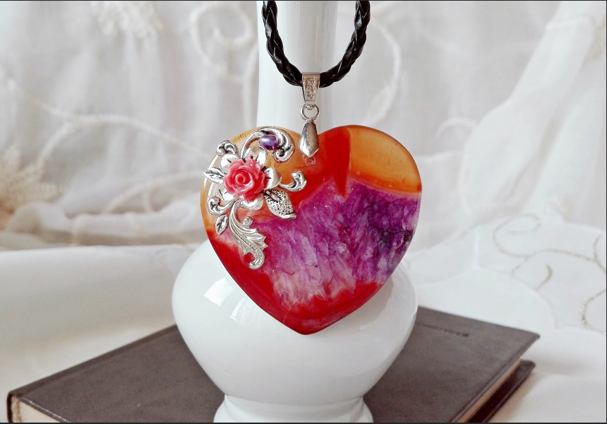 Victorian Heart Agate Necklace