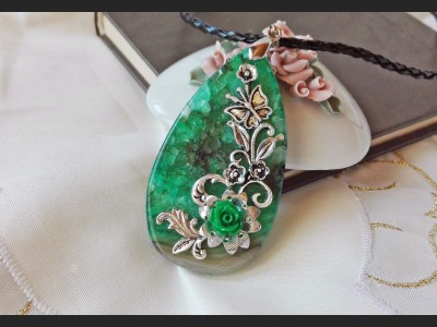 Victorian Green Agate Crystal Necklace