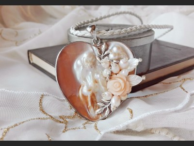 Mother of Pearl Shell Heart Necklace