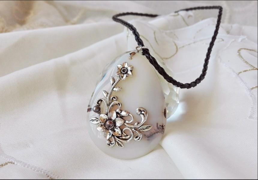 Victorian White Agate Necklace