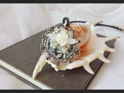 Victorian Shell Cameo Necklace