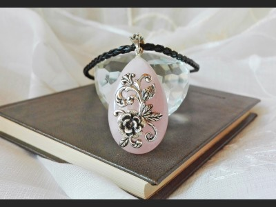 Rose Quartz Vintage Style Necklace