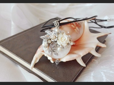 Victorian Style Rose and Pearl Necklace