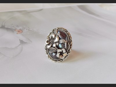 Victorian  Style Dark Blue Pearls Ring